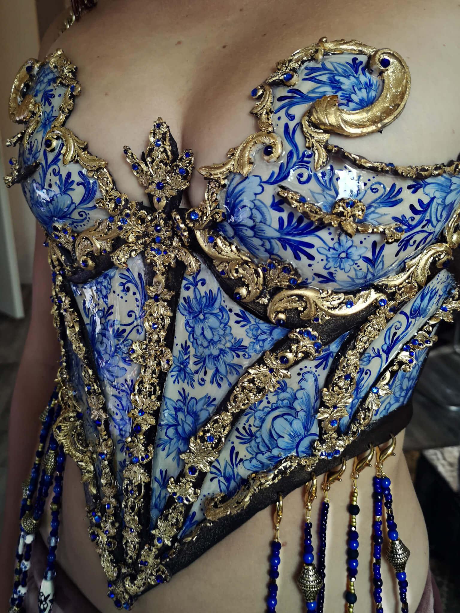 delft blue porcelain corset by joyce spakman, candy makeup artist