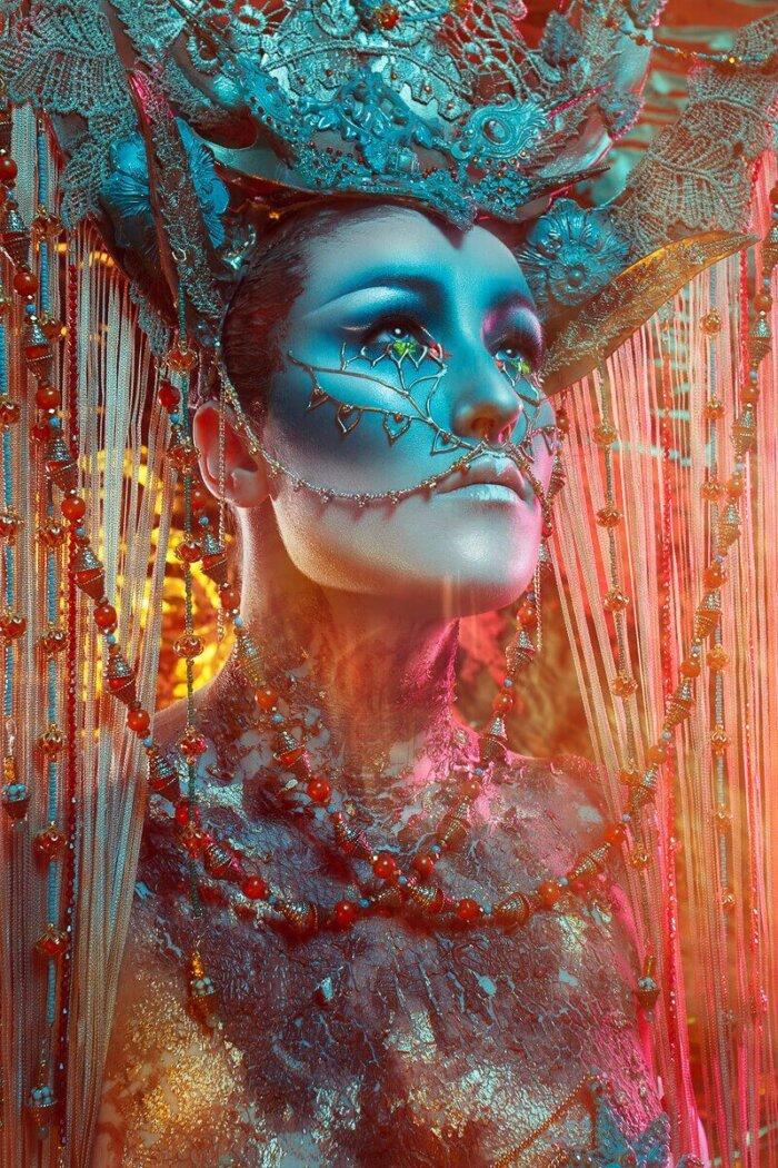 Asian Culture Inspired Headdress Photo By: Josefien Hoekstra