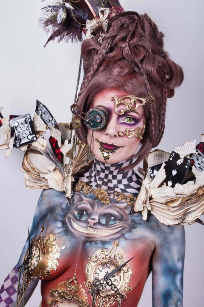 alice-in-wonderland-shoulderpieces-styling-candymakeupartist