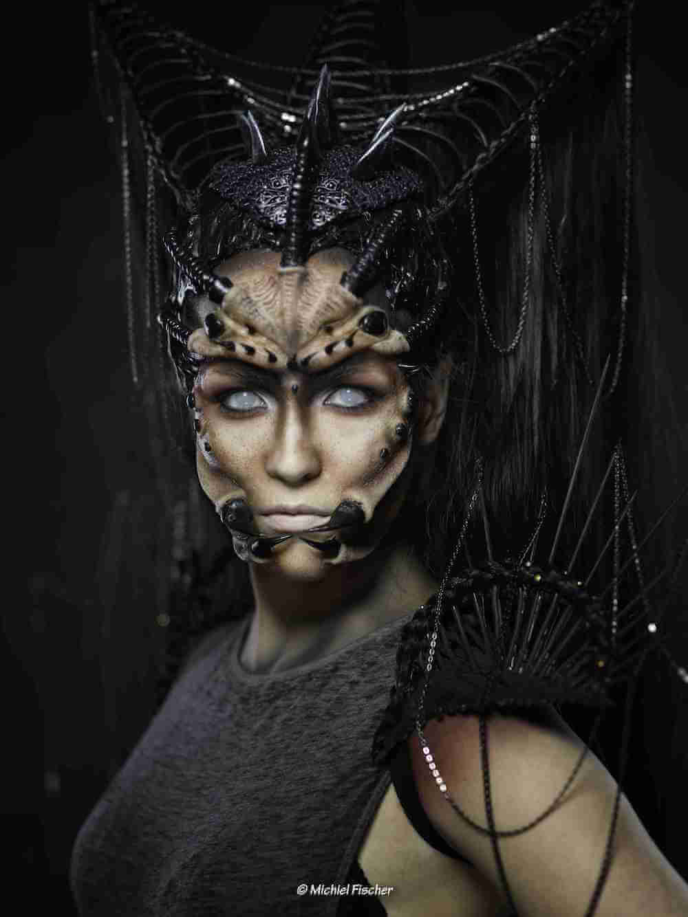 spikey-spider-shoulder-pieces-candymakeupartist